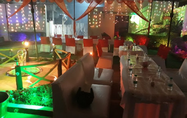 Moon Bar And Restaurant