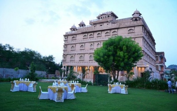 crimson-park-the-heritage-jalmahal-in-jaipur-06.jpg