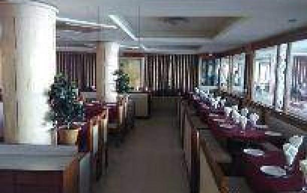 decent-restaurant-grid-cross-road-anand-restaurants-2l5opwy.jpg