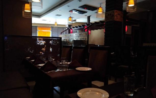 platters-family-restaurant-2.jpg